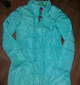 Удлиненная курточка на синтепоне.