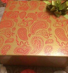 Новая подарочная коробка