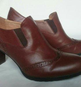Туфли кожаные новые р.40
