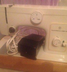 Продаю швейную машинка чайка .