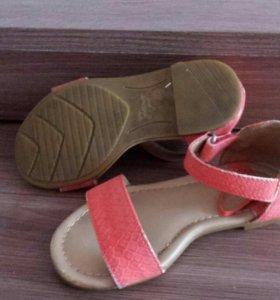 Обувь фирмы zara
