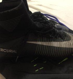 Продам профессиональные бутсы Nike Mercurial.8,5 р