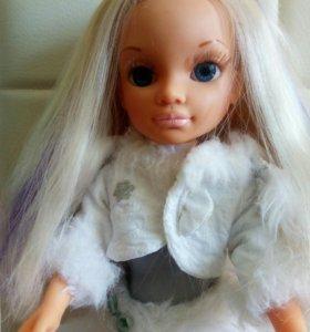 Кукла Ненси .Волосы у куклы очень красивые.