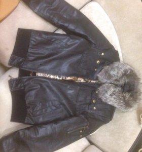 Кожаная куртка на подкладке кролика.