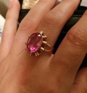 Золотое кольцо 583 пробы с Рубином, вес 6,44