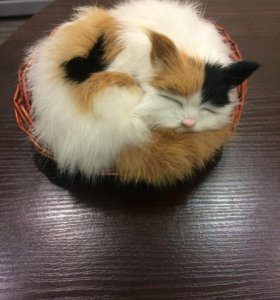 Кошка из меха кролика