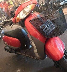 Двухместный скутер Honda Tact AF51