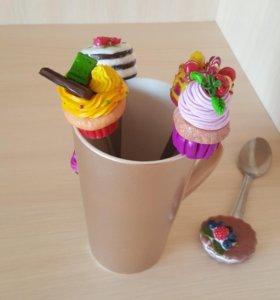 Чайные ложечки декором из полимерной глины.