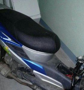 Скутер Якомодо 50
