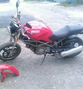 Duсati Monster 400