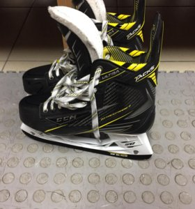 CCM ULTRA TACKS