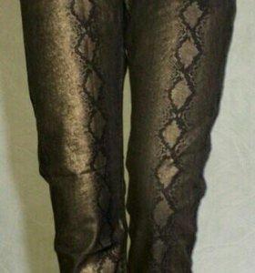 Брюки-джинсы женские 44 размера.