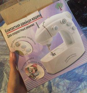 Компактная швейная машина
