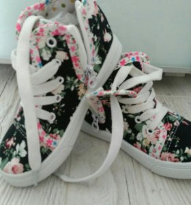 Детская обувь ,новая