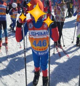 Продам лыжную экипировку и новые лыжи.