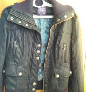 Куртки кожзам