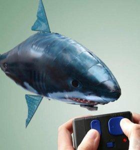 Летающая акула с пультом дистанционным управлением