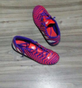 Кроссовки для мини футбола адидас.