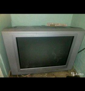Продам телевизор.не включается