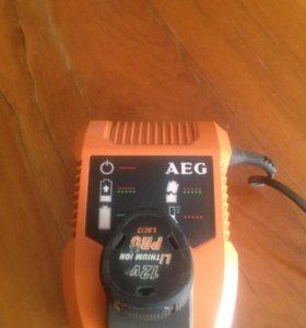 Зарядное устройство и батарейка . Состояние нового