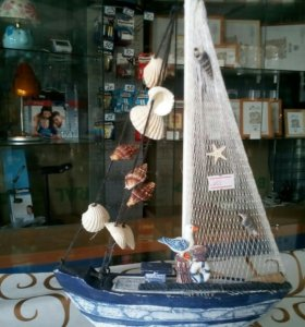 Кораблик сувенирный
