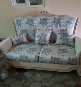 Холл и диван
