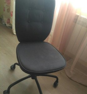 Компьютерное кресло в идеальном состоянии