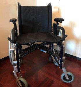 Инвалидная коляска складная (новая)