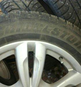 Продам б/у литые диски с шинами