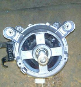 2 Двигателя к стиральным машинкам