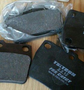 Колодки тормозные на Toyota RAV4 ,Cherry Tiggo