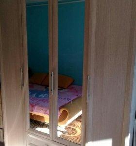 Шкаф четырёх дверный