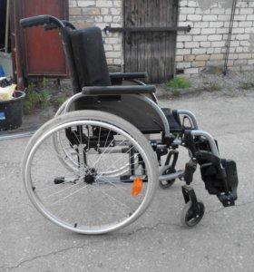 """Инвалидное кресло-коляска для инвалидов """"Ottobock"""""""