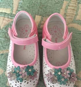 Туфельки для девочки новые!