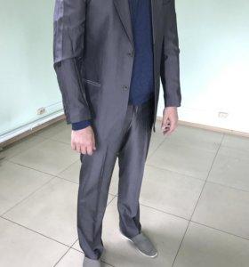 Мужской костюм(брюки, пиджак)