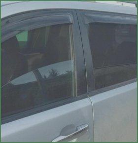 Каркасные шторки на передние двери.