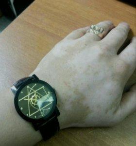 Кварцевые наручные часы Worldmart