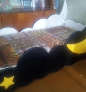 Срочно Красивая кроватка.