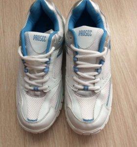 Новые финские кроссовки
