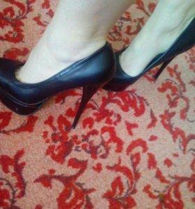 Туфли-лабутены39р👠