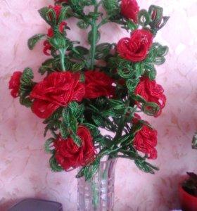 Цветы бисер розы в горшке вес 8 кг.