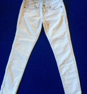 Светлые джинсы 25-26р-р