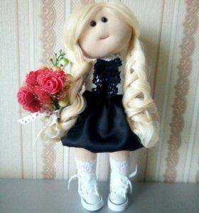 Кукла из ткани ручной работы.