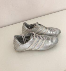 Кроссовки, кеды. adidas