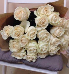 Букет 25 роз + упаковка (доставка бесплатно)