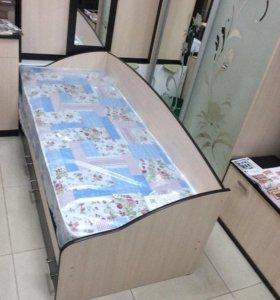 Кровать с выдвижными ящиками и матрасом в комплект