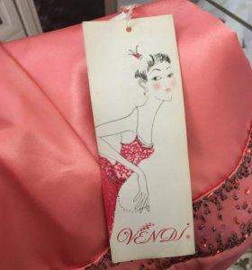 Выпускные платья новые с салона