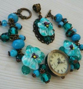 Часы на браслете ручной работы