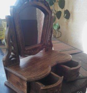 Настольное зеркало с ящиками