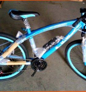 Велосипеды BMW с литыми дисками и спицами